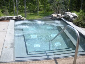 Horizon edge whirpool in the treetops at The Lodge at Woodloch