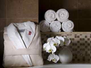 Red Door Spa Robe